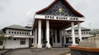Kantor DPRD Muarojambi. Foto: Uda/Jambiseru.com