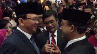 Gubernur DKI Jakarta Anies Baswedan sempat berbincang dengan mantan Gubernur Basuki Tjahaja Purnama alias Ahok dan Djarot Saiful Hidayat. (Suara.com/Fakhri uadi)