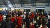 Ribuan mahasiswa memadati Stasiun Palmerah usai dipukul mundur petugas dari gedung DPR RI, Selasa malam (24/9/2019). [Antara/Laily Rahmawaty]