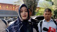 Anggota DPD RI, Fahira Idris, memenuhi panggilan penyidik Polda Metro Jaya, Jumat (8/11/2019). (Suara.com/Yosea Arga)