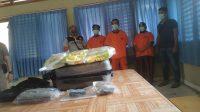 3 Pelaku serta barang bukti yang diamankan BNNP Jambi. Foto: Yogi/Jambiseru.com