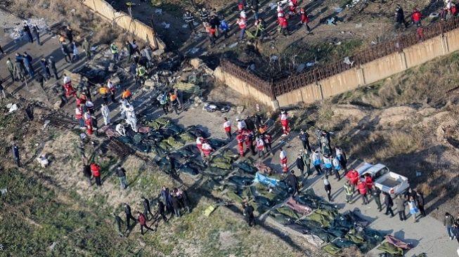 pesawat-boeing-milik-ukraina-737-jatuh