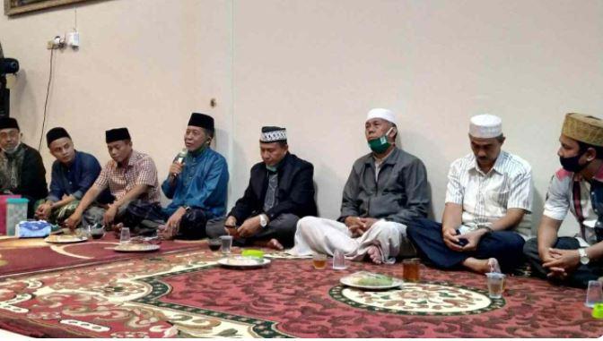 Istimewa Abdullah Sani saat konsolidasi bersama partai pengusung di Tanjab Barat. (Ist)Istimewa Abdullah Sani saat konsolidasi bersama partai pengusung di Tanjab Barat. (Ist)