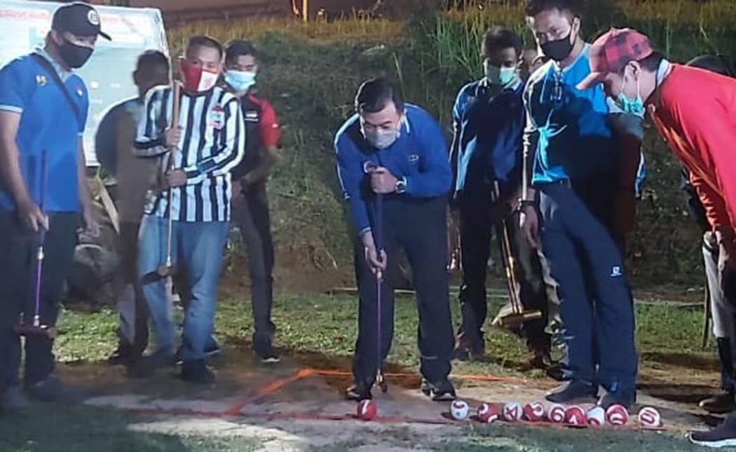 Al Harus saat buka mini turnamen gateball. Foto: Edo/Jambiseru.com