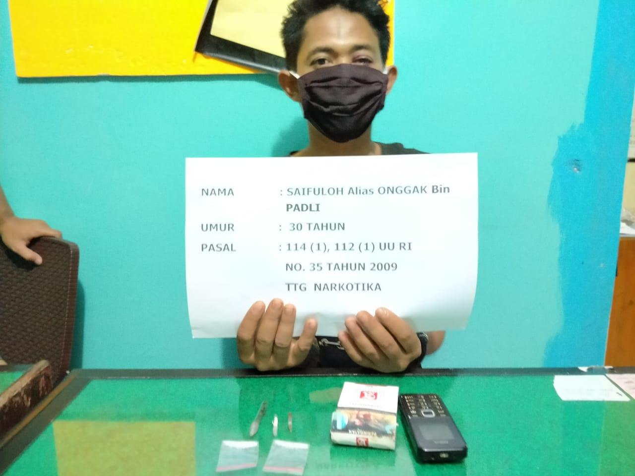 Pelaku bersama barang bukti. Foto: Edo/Jambiseru.com