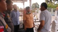 Calon gubernur Jambi, Al Haris seusai berziarah di makam raja Jambi. Foto: Jambiseru.com