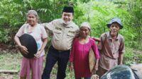 Calon gubernur Jambi, Al Haris saat berbaur bersama warga. Foto: Jambiseru.com