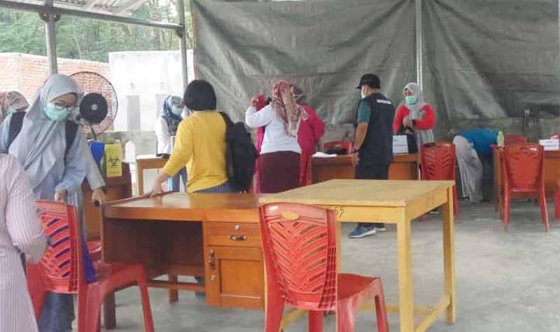 Vaksin gratis di Kelurahan Eka Jaya