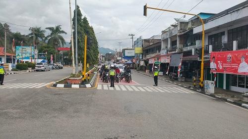 Satlantas Hentikan Pengguna Jalan