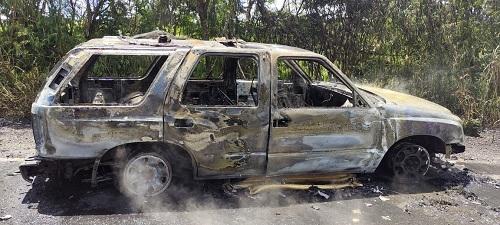 Minibus Terbakar di Kayu Aro