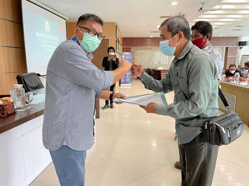 PTPN VI Serahkan Bantuan TJSL Pada Mitra Binaan