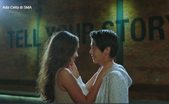 Adegan nyaris ciuman di film Ada Cinta di SMA
